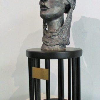 Escultura Sola Cristina Sánchez